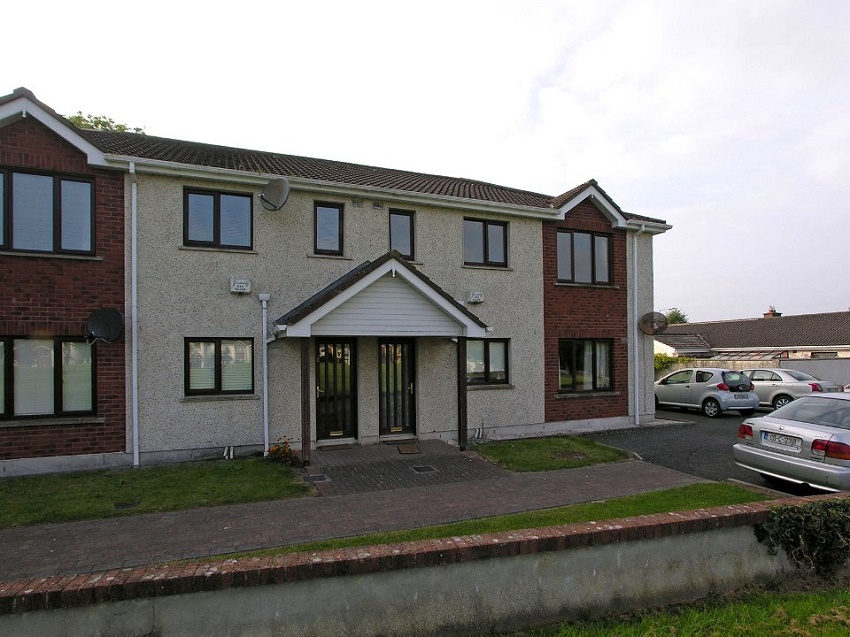 2-bed-to-let-Oakfield-Court-Naas-01