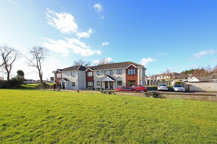 2-bed-to-let-Oakfield-Court-Naas-02
