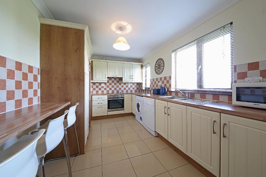 2-bed-to-let-Oakfield-Court-Naas-04