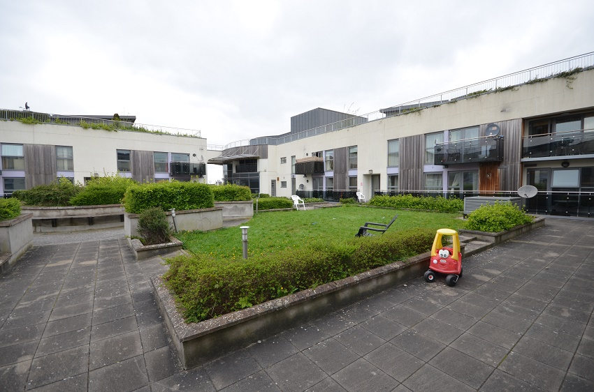 2-bed-to-let-The-Waterways-Sallins-02