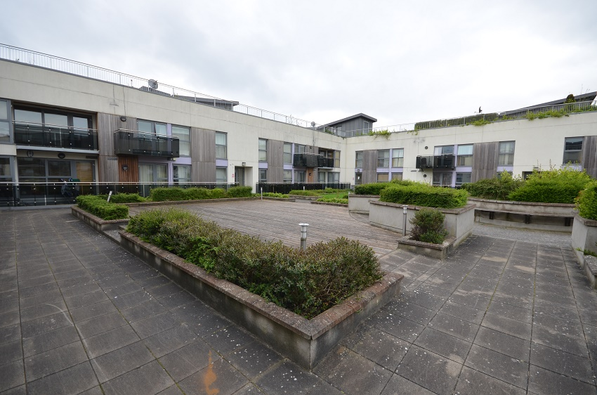 2-bed-to-let-The-Waterways-Sallins-03