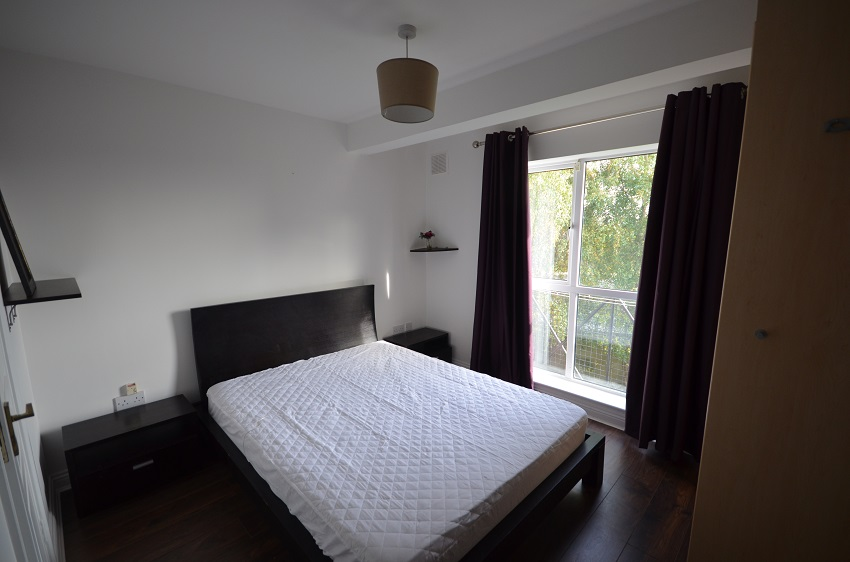 2-bed-to-let-Church-Court-Naas-06-1