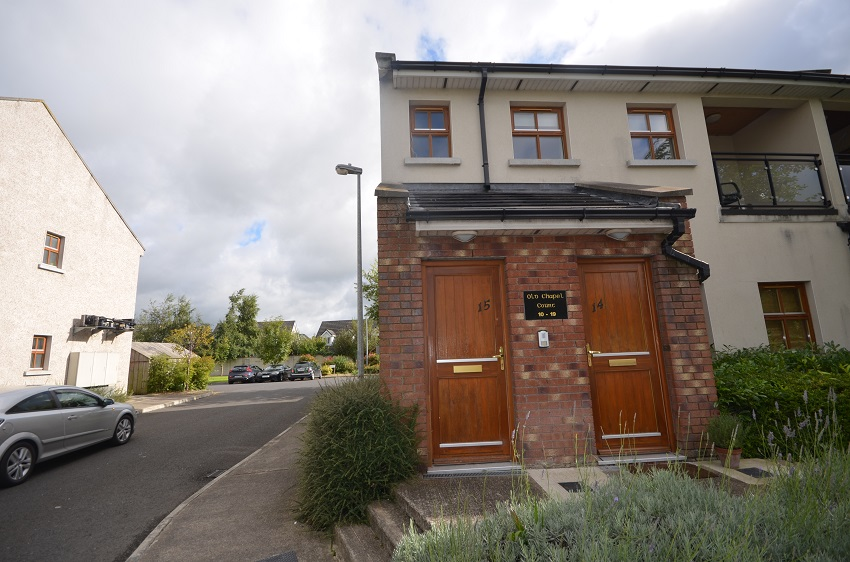 2 bed apartment to let Old Chapel Court, Caragh